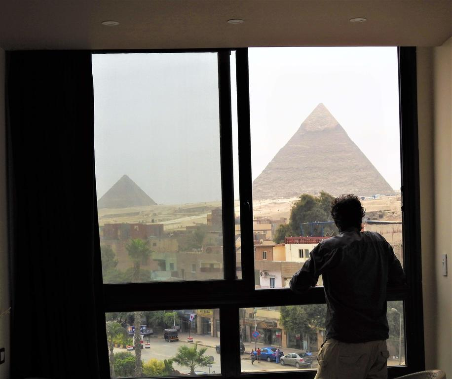 Happy days Pyramids Inn