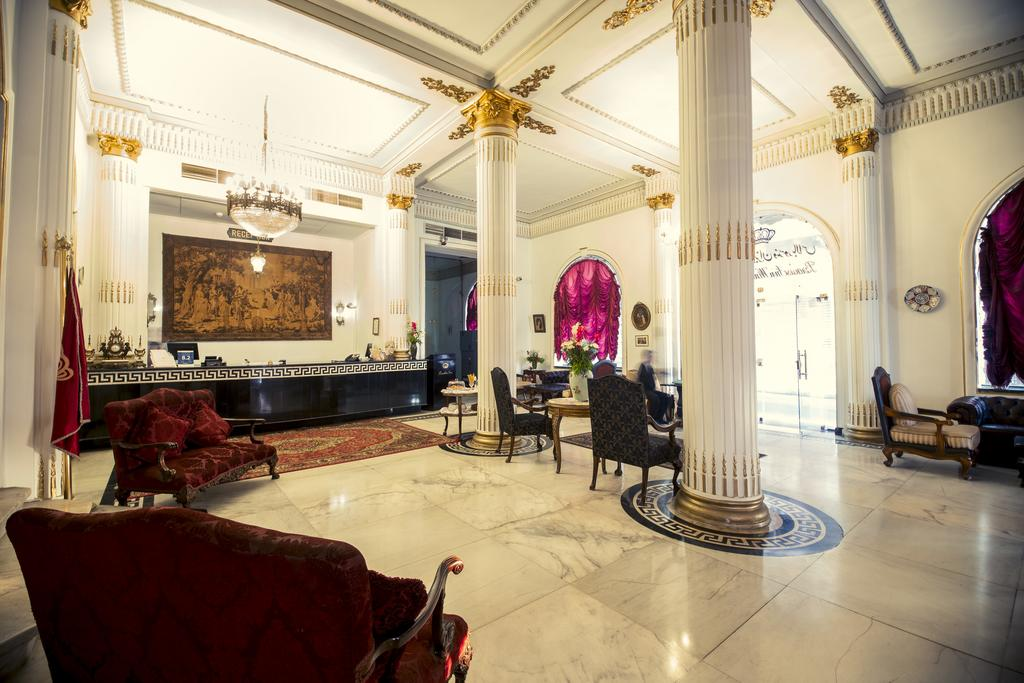 Paradise Inn Windsor Palace Hotel