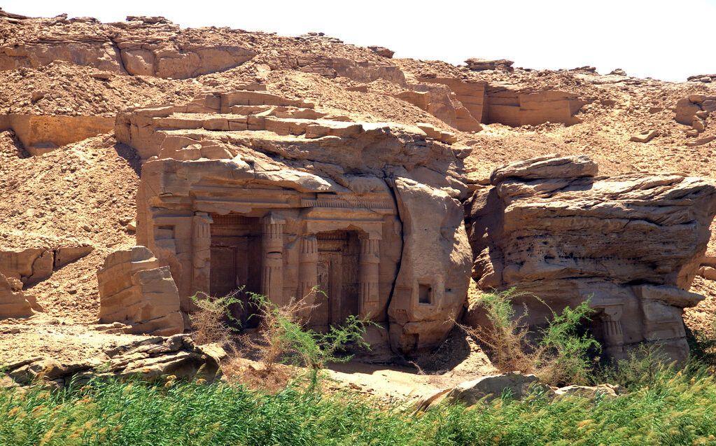 Templos Ruprestres de Silsila West Bank